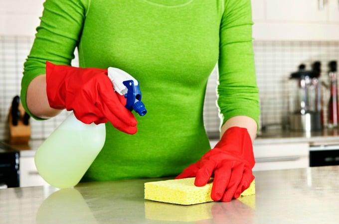 Los mitos de la limpieza de OId Time reventados: limpiar y desinfectar y desinfectar son tres cosas diferentes
