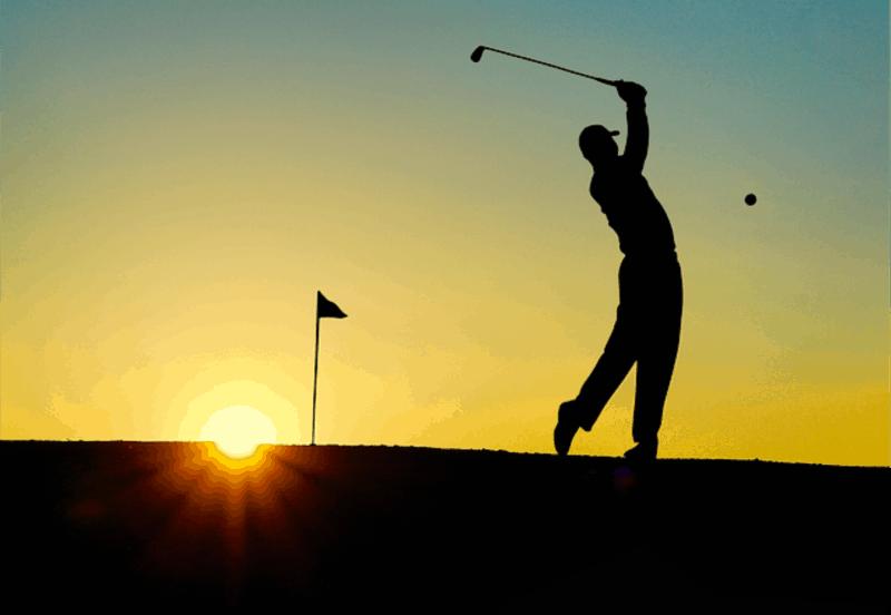 Por qué las mamás deberían ir a la huelga - Hombre jugando al golf