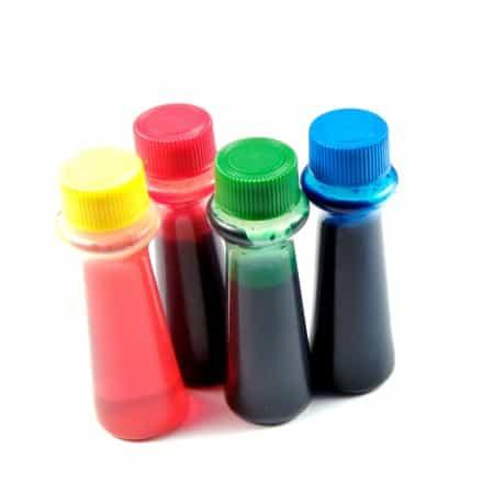 Botellas de colorante alimentario
