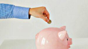 Ahorrar Dinero con un Presupuesto Ajustado