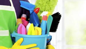 Organizar los Suministros de Limpieza